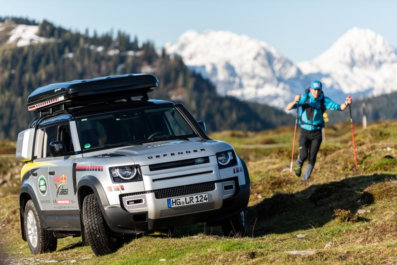 Land Rover Defender supports the Worlds toughest adventure race